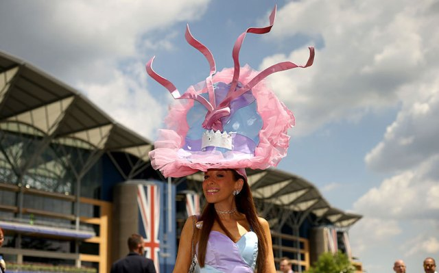 Daily Telegraph  Tracy_Rose_Ballerina Hat